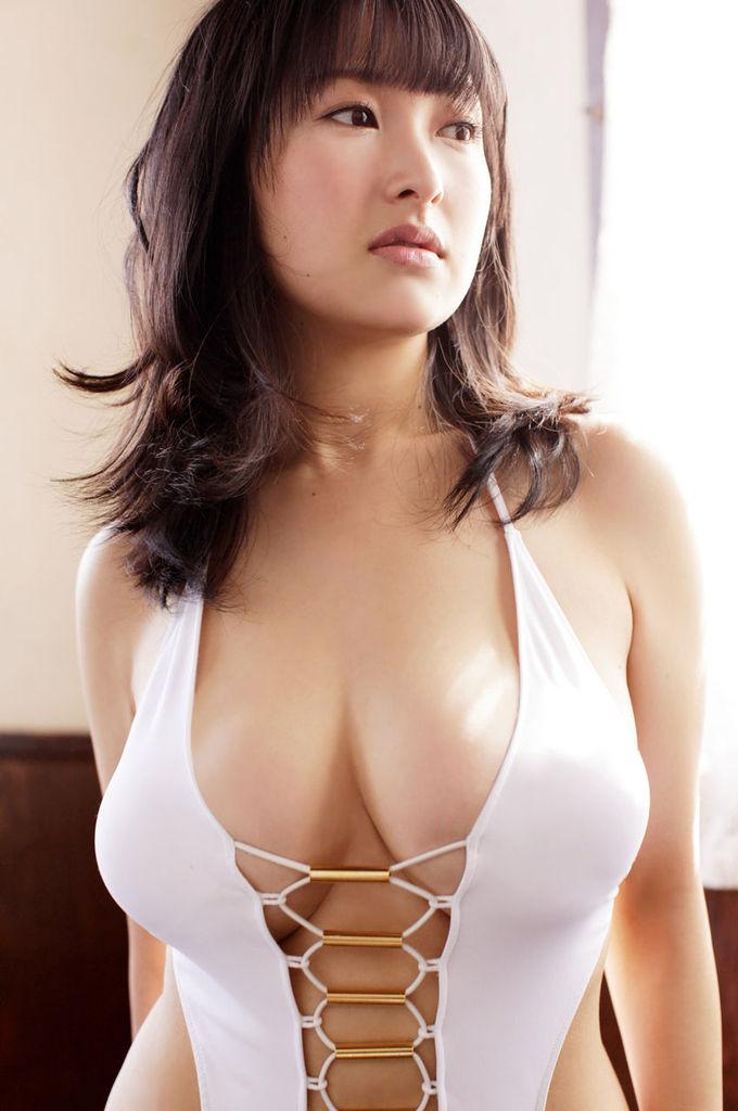 【中川朋美エロ画像】Jカップとかいうメートル超え爆乳女のマンスジ写真wwww 50