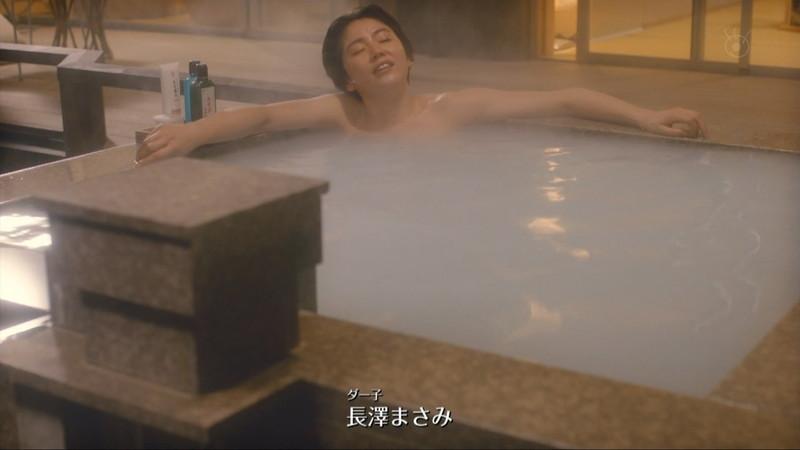 【長澤まさみお宝画像】テレビでエロくてシコれるオッパイの形を見せちゃったw 28