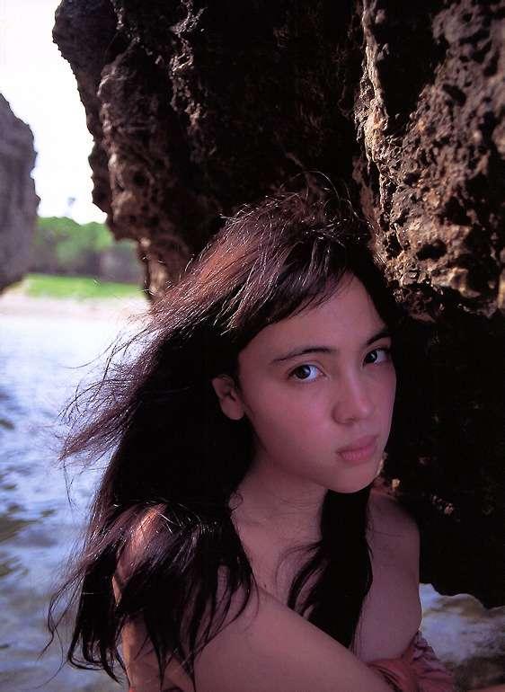 【永井流奈グラビア画像】あのミニスカポリスに現役JKで任命された美少女 14