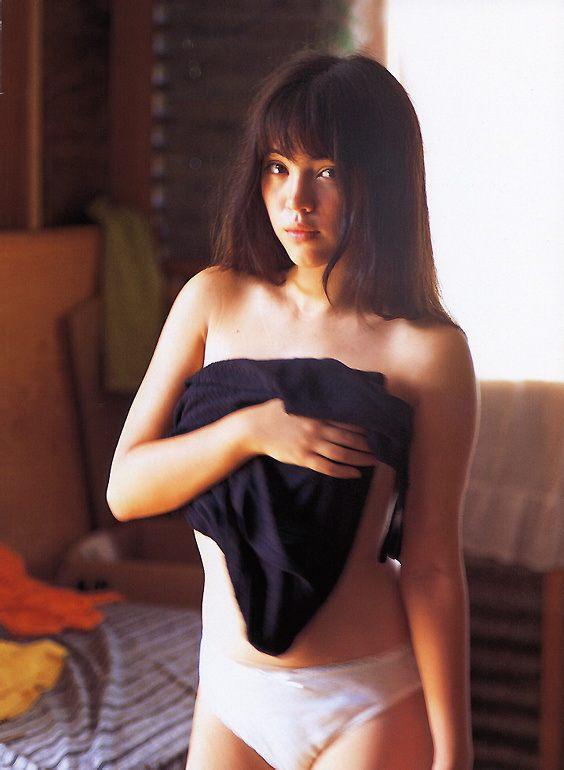 【永井流奈グラビア画像】あのミニスカポリスに現役JKで任命された美少女 33