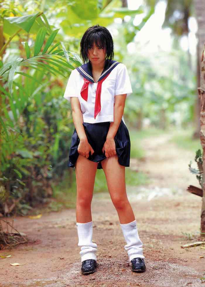 【永井流奈グラビア画像】あのミニスカポリスに現役JKで任命された美少女 42
