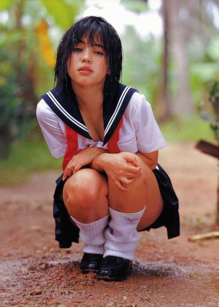 【永井流奈グラビア画像】あのミニスカポリスに現役JKで任命された美少女 44