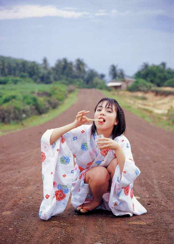 【永井流奈グラビア画像】あのミニスカポリスに現役JKで任命された美少女 45