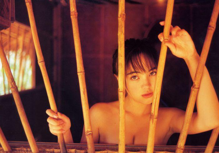 【永井流奈グラビア画像】あのミニスカポリスに現役JKで任命された美少女 76