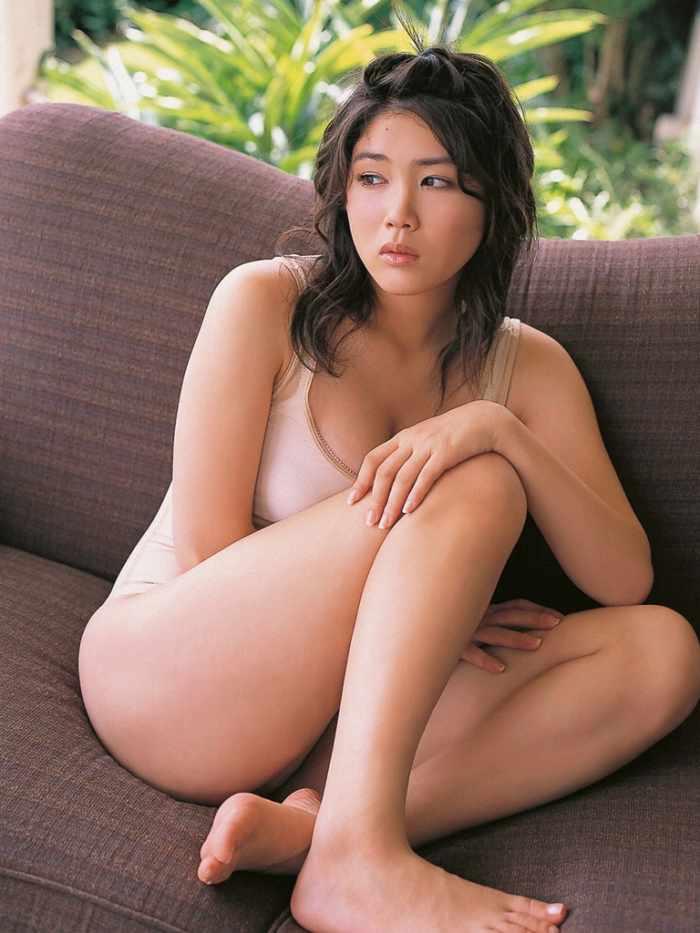 【永岡真実グラビア画像】Fカップ巨乳を見せつける谷間写真でパイズリが捗るわwwww 60