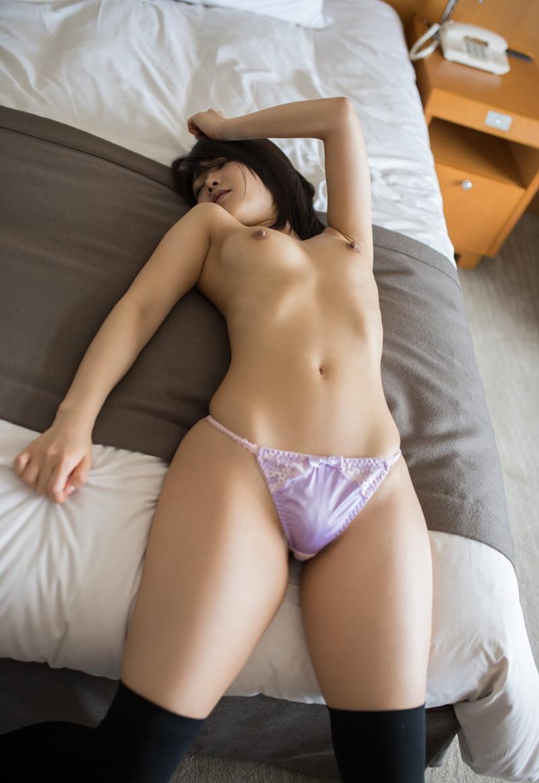 【お宝エロ画像】あの漫画家の桂正和が美少女AV女優にキスされてメロメロwwww 66