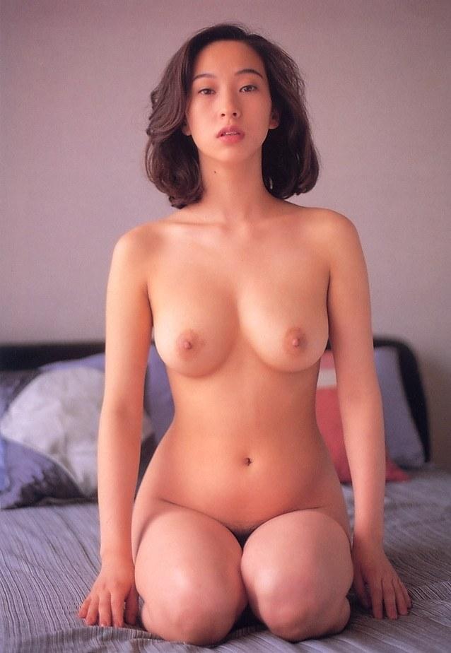 【江口ナオお宝画像】グラビアやテレビドラマで惜しげもなく巨乳を晒すエロ女優 42