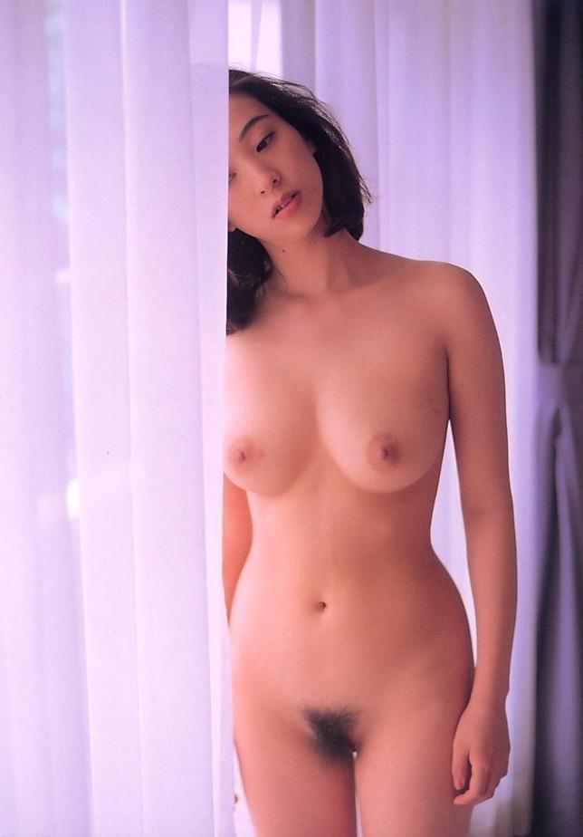 【江口ナオお宝画像】グラビアやテレビドラマで惜しげもなく巨乳を晒すエロ女優 52