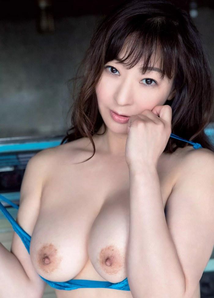 【江口ナオお宝画像】グラビアやテレビドラマで惜しげもなく巨乳を晒すエロ女優 67