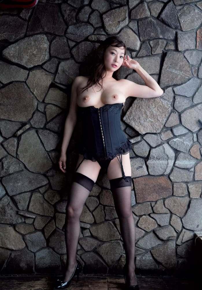 【江口ナオお宝画像】グラビアやテレビドラマで惜しげもなく巨乳を晒すエロ女優 75