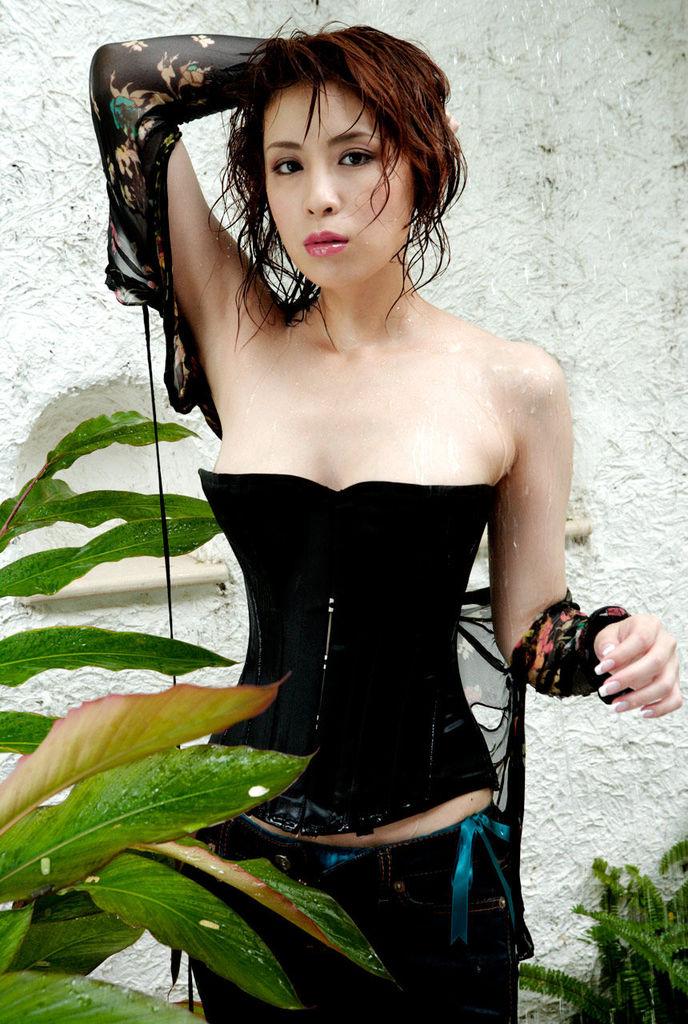 【雛形あきこお宝画像】めちゃイケメンバーの巨乳女優が昔はグラドルもやってた件 14