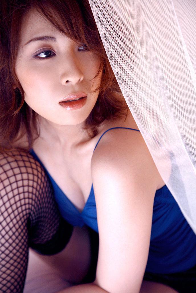 【雛形あきこお宝画像】めちゃイケメンバーの巨乳女優が昔はグラドルもやってた件 18