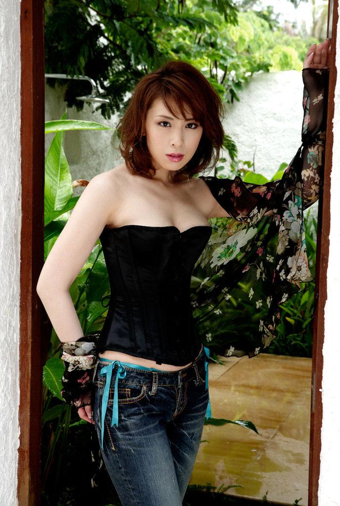 【雛形あきこお宝画像】めちゃイケメンバーの巨乳女優が昔はグラドルもやってた件 20