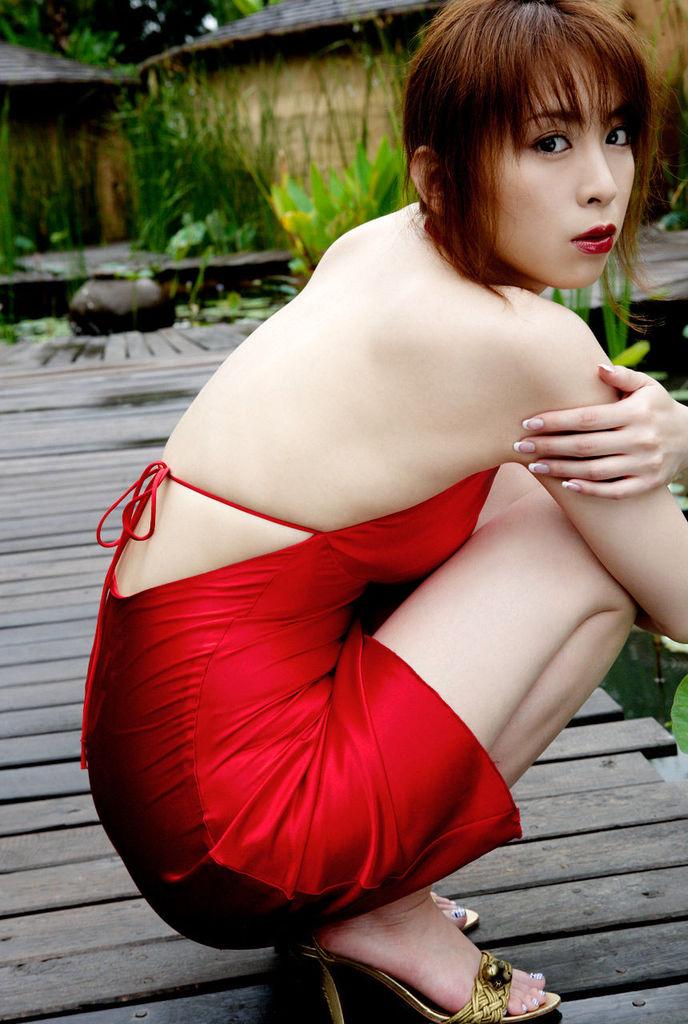 【雛形あきこお宝画像】めちゃイケメンバーの巨乳女優が昔はグラドルもやってた件 39