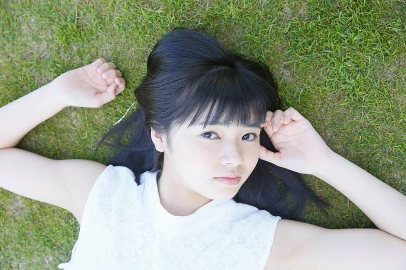 【浜浦彩乃グラビア画像】黒髪ストレートで清純系美少女って感じがメチャカワ!