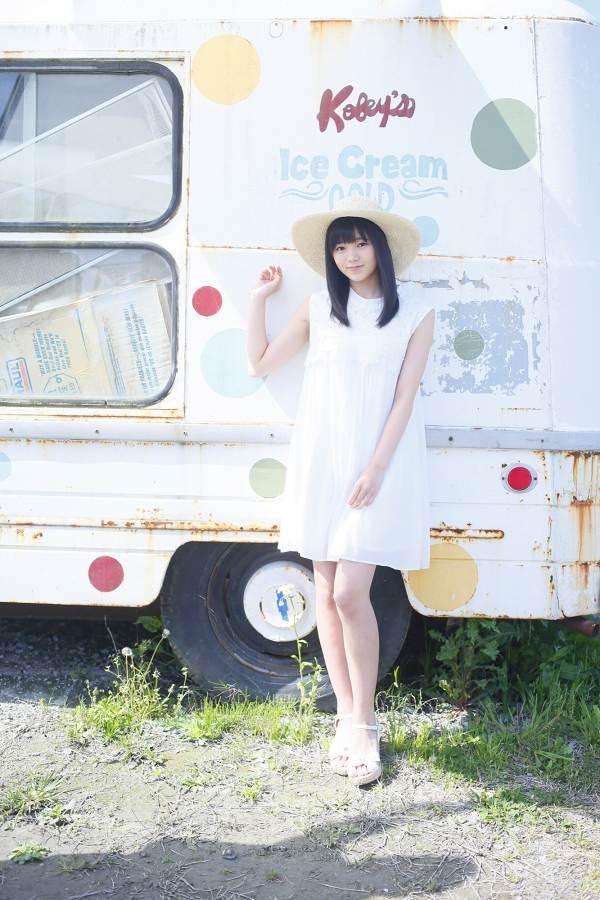 【浜浦彩乃グラビア画像】黒髪ストレートで清純系美少女って感じがメチャカワ! 12