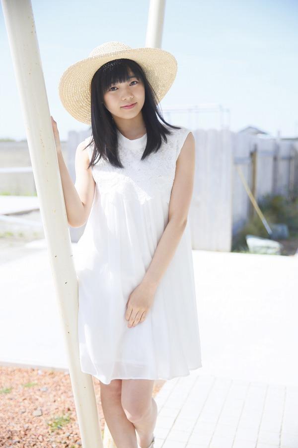 【浜浦彩乃グラビア画像】黒髪ストレートで清純系美少女って感じがメチャカワ! 13
