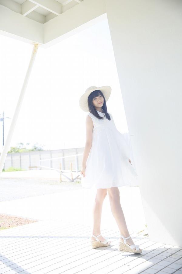 【浜浦彩乃グラビア画像】黒髪ストレートで清純系美少女って感じがメチャカワ! 15