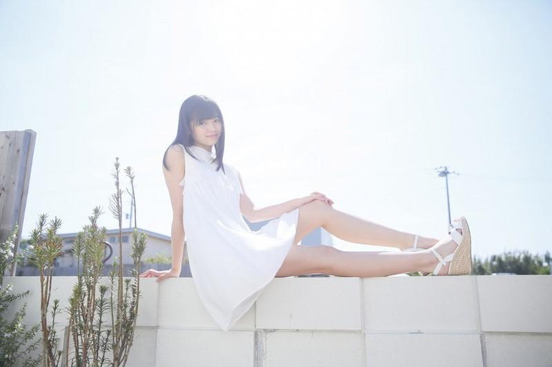 【浜浦彩乃グラビア画像】黒髪ストレートで清純系美少女って感じがメチャカワ! 16