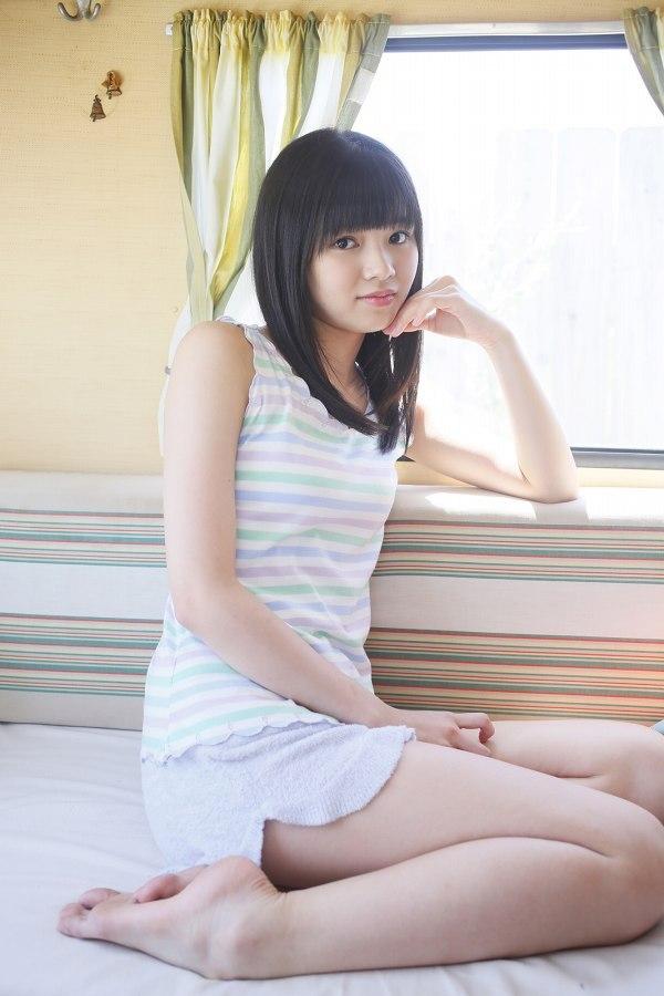 【浜浦彩乃グラビア画像】黒髪ストレートで清純系美少女って感じがメチャカワ! 21