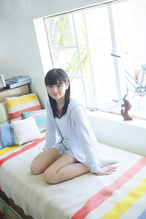 【浜浦彩乃グラビア画像】黒髪ストレートで清純系美少女って感じがメチャカワ! 25