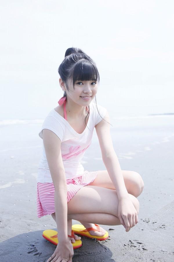 【浜浦彩乃グラビア画像】黒髪ストレートで清純系美少女って感じがメチャカワ! 33