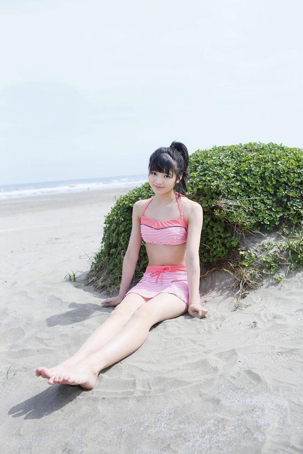 【浜浦彩乃グラビア画像】黒髪ストレートで清純系美少女って感じがメチャカワ! 44