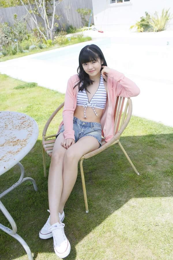 【浜浦彩乃グラビア画像】黒髪ストレートで清純系美少女って感じがメチャカワ! 45