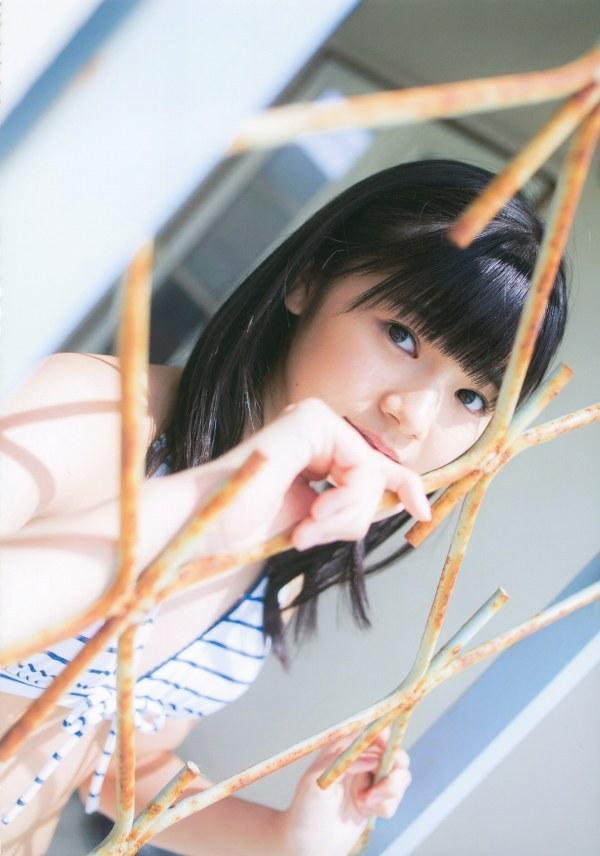 【浜浦彩乃グラビア画像】黒髪ストレートで清純系美少女って感じがメチャカワ! 70