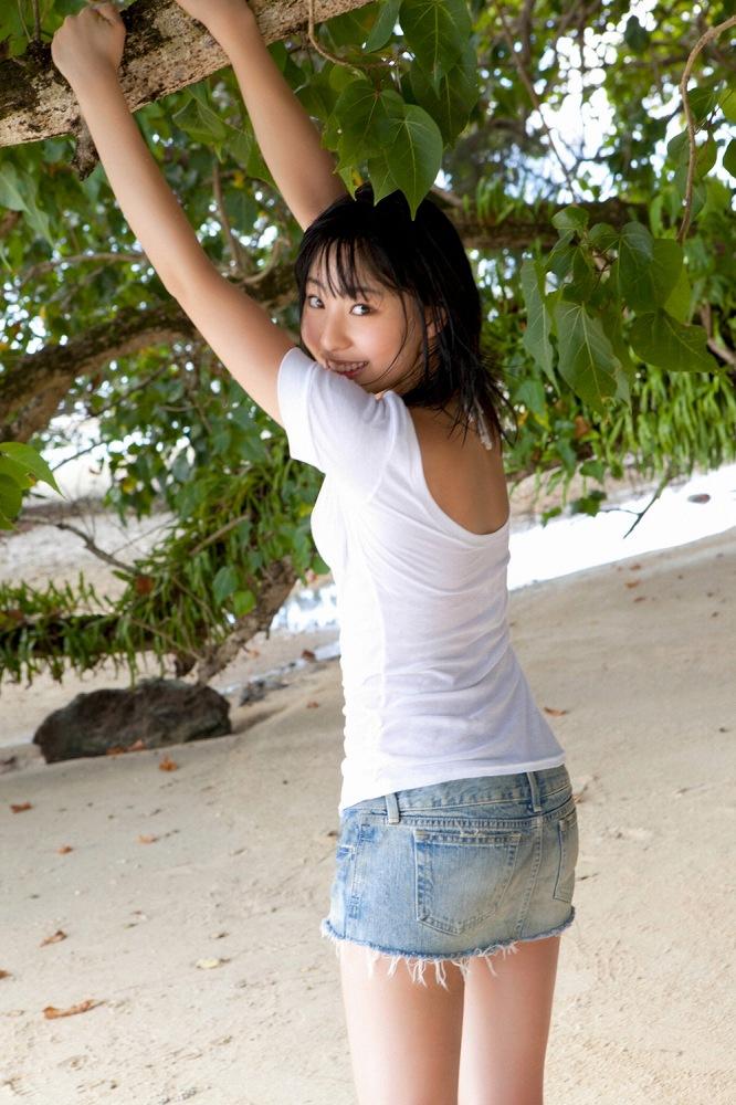 【藤江れいなグラビア画像】元AKB48の3期生アイドルが現役時代に披露した水着姿 07