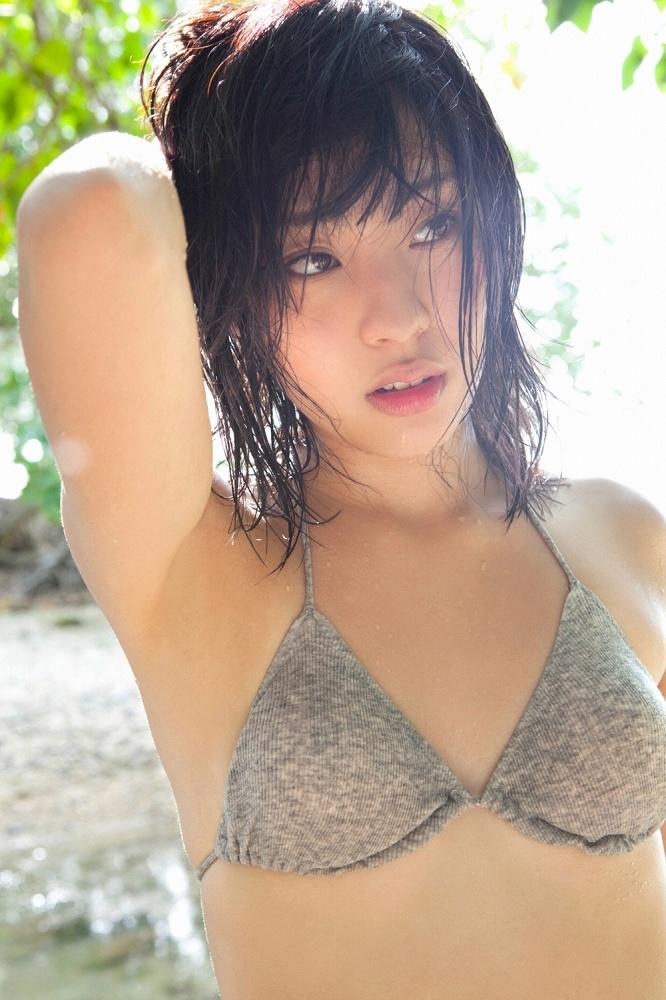 【藤江れいなグラビア画像】元AKB48の3期生アイドルが現役時代に披露した水着姿 16