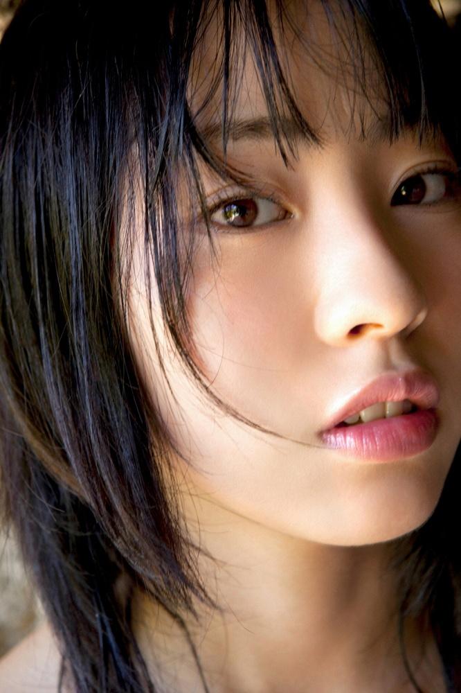 【藤江れいなグラビア画像】元AKB48の3期生アイドルが現役時代に披露した水着姿 26