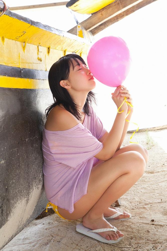 【藤江れいなグラビア画像】元AKB48の3期生アイドルが現役時代に披露した水着姿 55