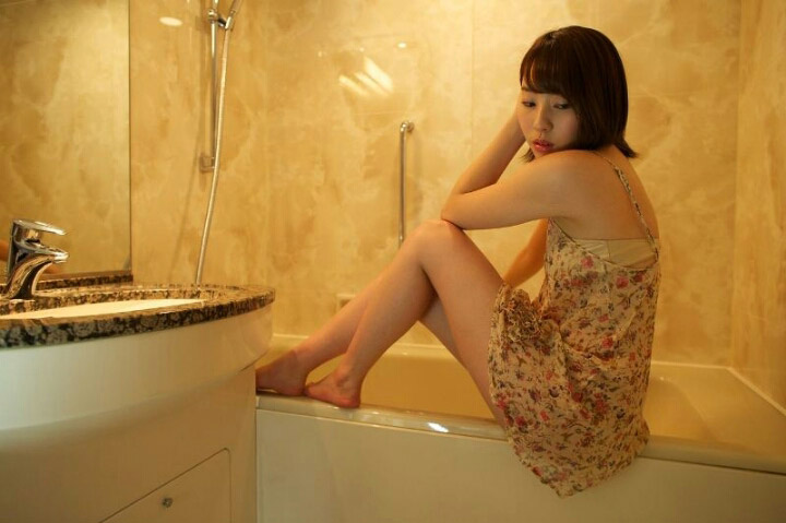 【藤江れいなグラビア画像】元AKB48の3期生アイドルが現役時代に披露した水着姿 78
