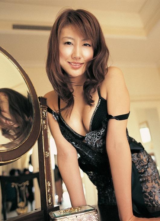 【安めぐみグラビア画像】いいお嫁さんになりそうな女性タレント第一位の女優画像 54
