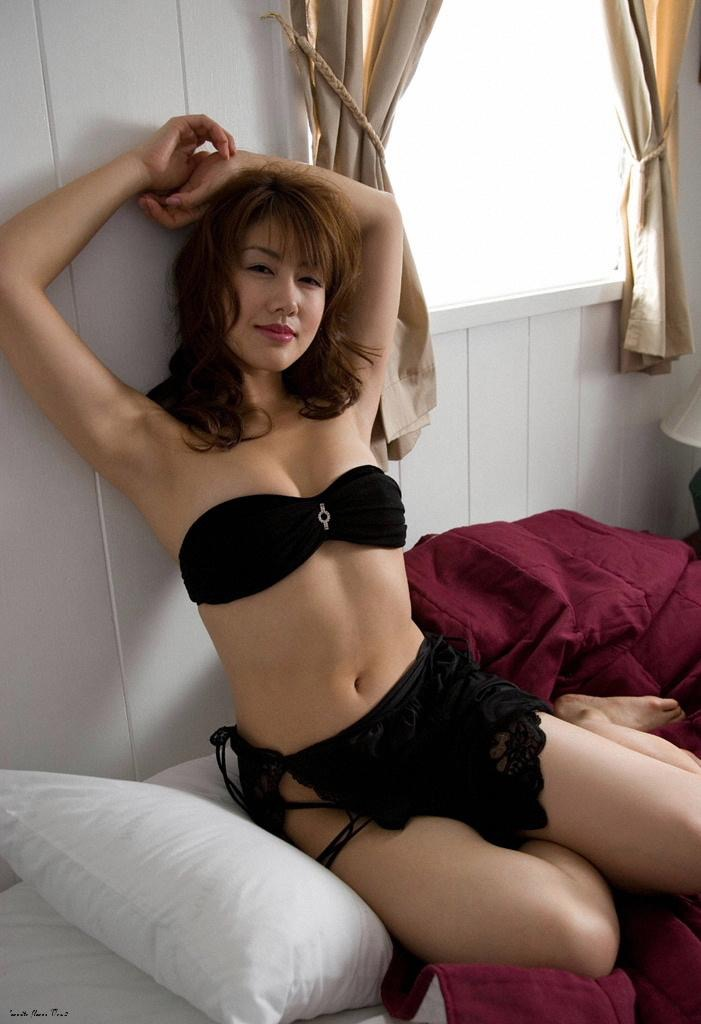 【安めぐみグラビア画像】いいお嫁さんになりそうな女性タレント第一位の女優画像 58