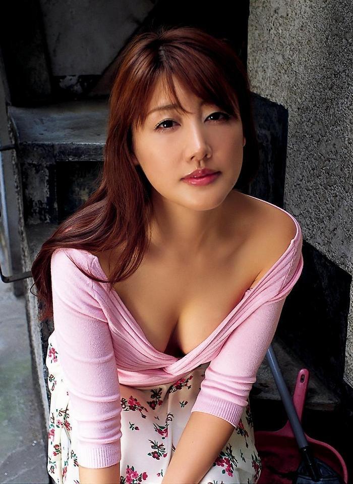 【安めぐみグラビア画像】いいお嫁さんになりそうな女性タレント第一位の女優画像 69