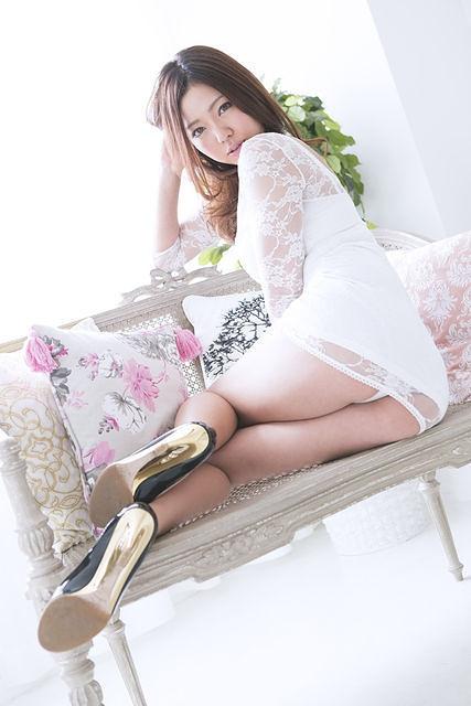 【永野桃子エロ画像】黒木桃子時代に乳首丸見えのヌードを披露したFカップ美人モデル 15