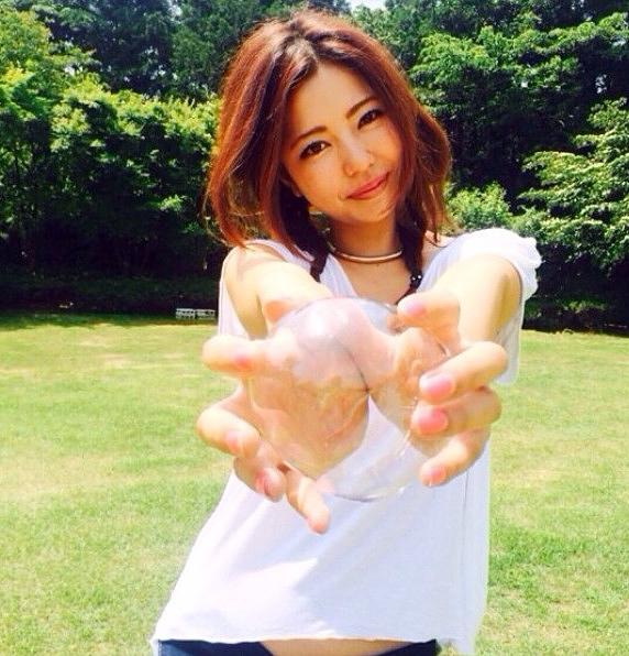 【永野桃子エロ画像】黒木桃子時代に乳首丸見えのヌードを披露したFカップ美人モデル 31