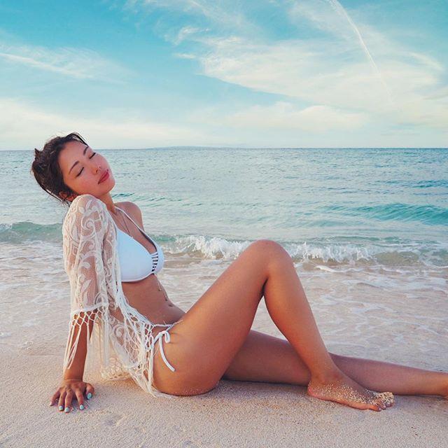 【永野桃子エロ画像】黒木桃子時代に乳首丸見えのヌードを披露したFカップ美人モデル 43