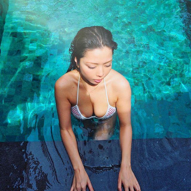 【永野桃子エロ画像】黒木桃子時代に乳首丸見えのヌードを披露したFカップ美人モデル 46