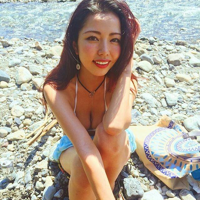 【永野桃子エロ画像】黒木桃子時代に乳首丸見えのヌードを披露したFカップ美人モデル 54
