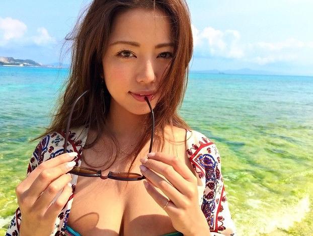 【永野桃子エロ画像】黒木桃子時代に乳首丸見えのヌードを披露したFカップ美人モデル 66