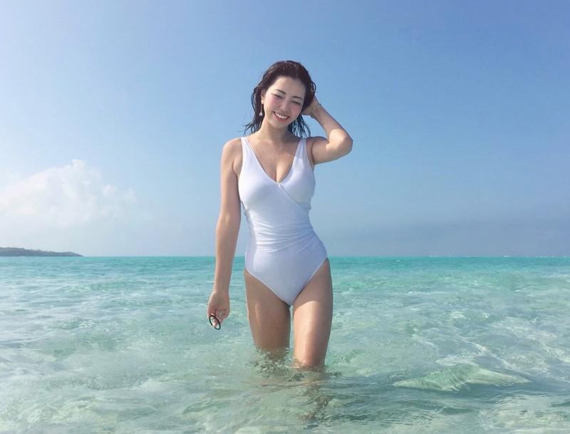 【永野桃子エロ画像】黒木桃子時代に乳首丸見えのヌードを披露したFカップ美人モデル 73