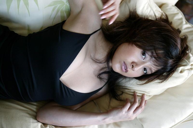 【藤原紀香お宝画像】アラフィフを迎えるベテラン女優が若かった頃のエロ写真 06