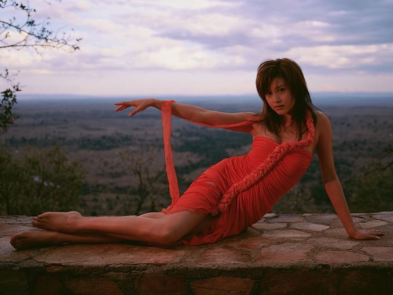 【藤原紀香お宝画像】アラフィフを迎えるベテラン女優が若かった頃のエロ写真 09