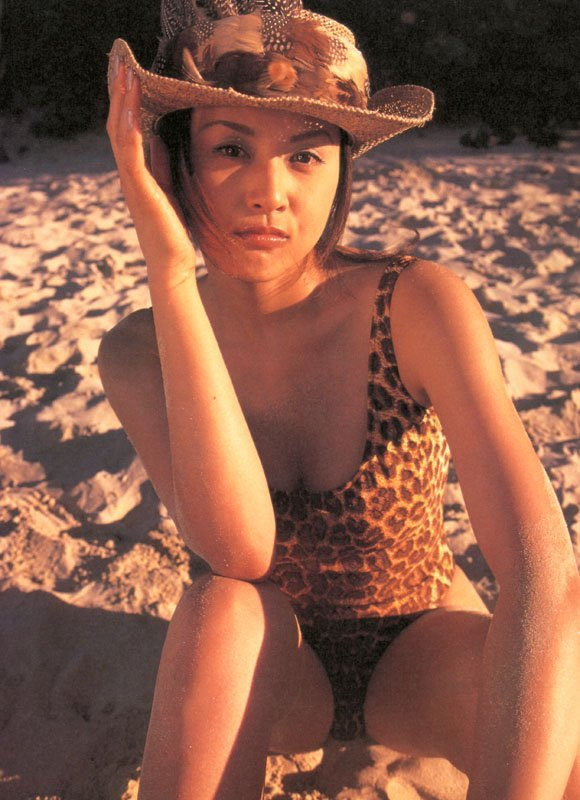 【藤原紀香お宝画像】アラフィフを迎えるベテラン女優が若かった頃のエロ写真 18