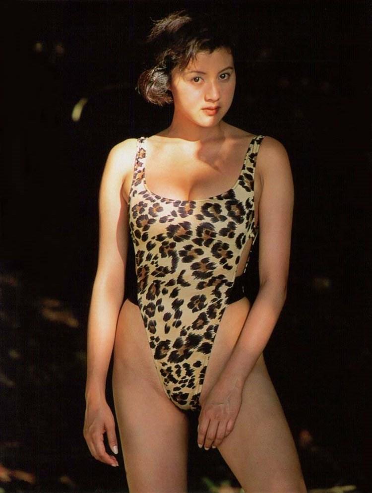 【藤原紀香お宝画像】アラフィフを迎えるベテラン女優が若かった頃のエロ写真 21
