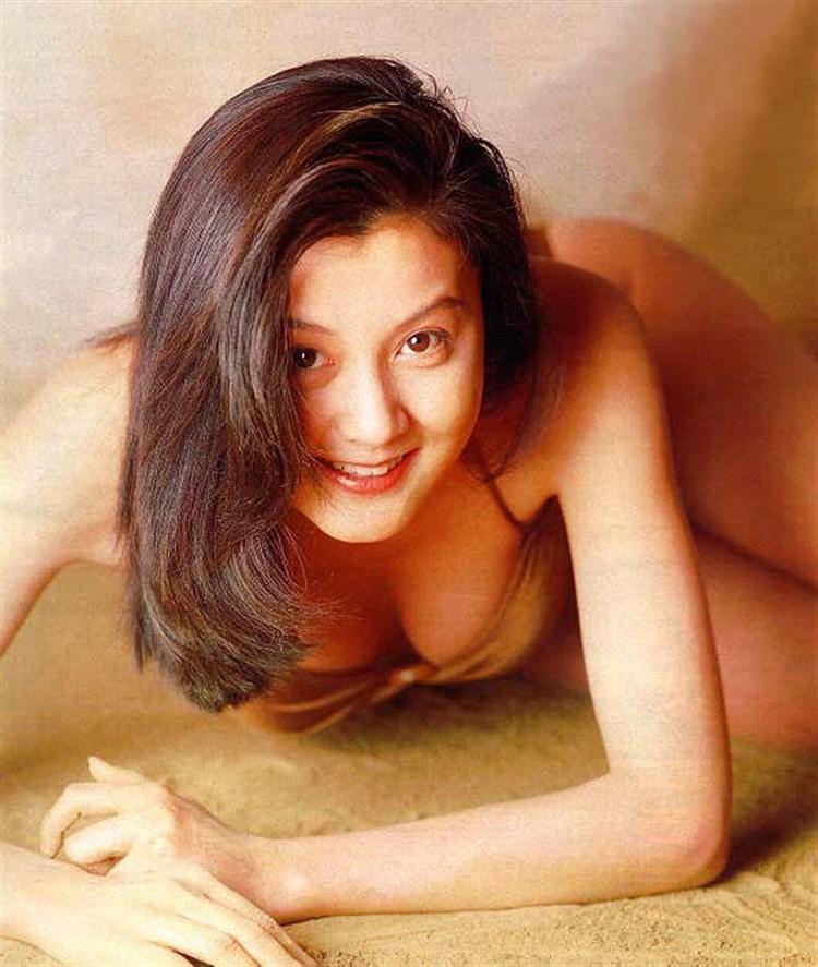 【藤原紀香お宝画像】アラフィフを迎えるベテラン女優が若かった頃のエロ写真 28
