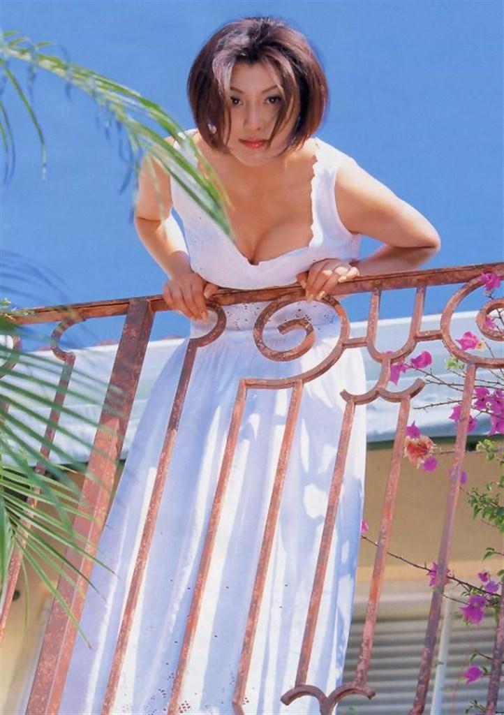 【藤原紀香お宝画像】アラフィフを迎えるベテラン女優が若かった頃のエロ写真 42